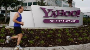 Yahoo va engager un programme de réduction de coûts.