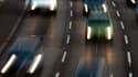 Les immatriculations de voitures neuves en France ont chuté de 20,7% en données brutes en janvier, à 147.143 unités, conséquence du climat économique morose. /Photo d'archives/REUTERS/Fabrizio Bensch