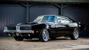 Cette Dodge Charger est identique à celle utilisée dans le film Bullitt, à côté de la Ford Mustang de Steve McQueen.