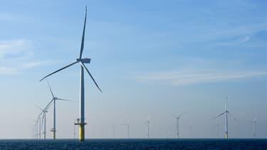 """L'appel d'offres de Dunkerque est le troisième lancé par l'Etat français pour développer les éoliennes marines """"posées"""" en France. (image d'illustration)"""