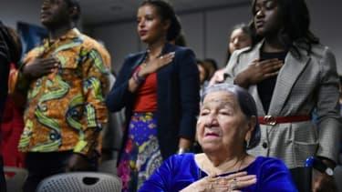 Maria Valles Bonilla, une Salvadorienne de 106 ans, a été naturalisée américaine mardi, lors d'une cérémonie à Fairfax, en Virginie