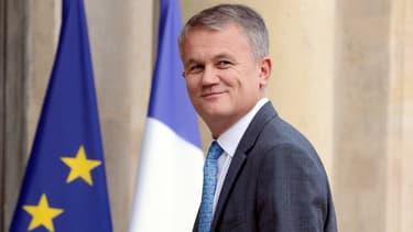 Le directeur général Jean-Pierre Rémy sert de victime expiatoire aux petits porteurs