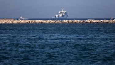 Un navire des garde-côtes en Italie