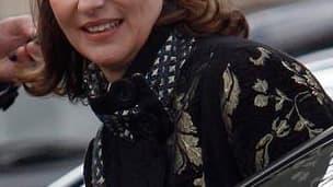 """Ségolène Royal, sortant de sa discrétion médiatique, s'est dite prête dimanche à """"sacrifier son ambition personnelle"""" pour 2012 mais s'est replacée dans le jeu socialiste en souhaitant une entente avec Martine Aubry et Dominique Strauss-Kahn. Le porte-par"""