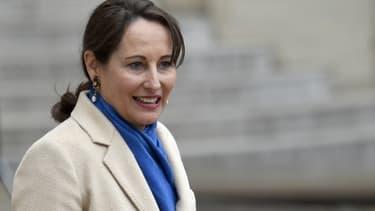 Pour la première fois, Ségolène Royal évoque la possibilité de construire de nouveaux réacteurs
