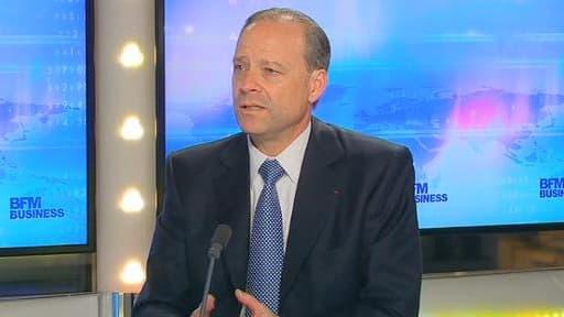 Le directeur général de Sanofi, Christophe Viehbacher, était l'invité de BFM Business, ce jeudi 6 février.