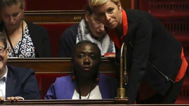 Les députées LFI Clémentine Autain et Danièle Obono, ici à l'Assemblée nationale en août 2017, font partie des élus dont Israël a interdit l'entrée sur son territoire