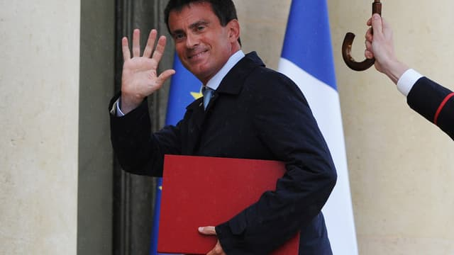 Manuel Valls à son entrée à l'Elysée lundi soir, pour consulter François Hollande sur le remaniement.