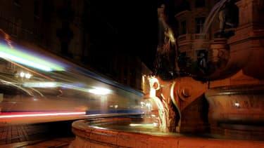 Une rame de tramway à Grenoble en décembre 2009.