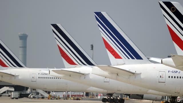 L'ensemble des syndicats d'Air France a accepté le texte encadrant pour les cinq années à venir les conditions d'emploi des hôtesses et stewards de la compagnie. (image d'illustration)