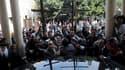 Plusieurs centaines de chrétiens égyptiens se sont rassemblés dimanche au Caire (photo) et à Alexandrie pour exprimer leur colère après l'attaque à Alexandrie qui a fait, selon le dernier bilan disponible, 21 morts et 97 blessés. Les appels au calme lancé