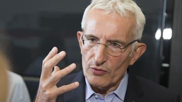 La Commission européenne a interdit l'acquisition d'Alstom par Siemens qui aurait porté atteinte à la concurrence sur les marchés des systèmes de signalisation ferroviaire et des TGV.