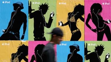 Au début des années 2000, l'iPod et les Archos symbolisaient le futur de l'écoute musicale. En 2007, l'iPhone a tout changé pour anéantir le marché des baladeur MP3.