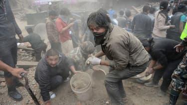 Un séisme majeur a dévasté le centre historique de Katmandou.