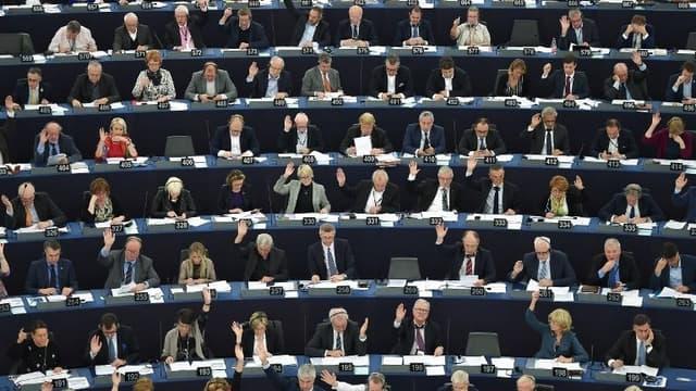 Lors d'un vote à main levée, les députés européens ont approuvé ces levées d'immunités.