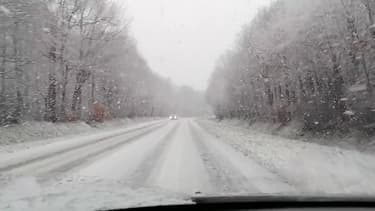 Grosses chutes de neige dans la commune de Digny, en Eure-et-Loir - Témoins BFMTV