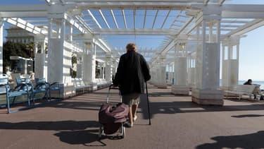 A droite, l'idée d'un retour à l'âge légal du départ à la retraite à 65 ans fait son chemin...