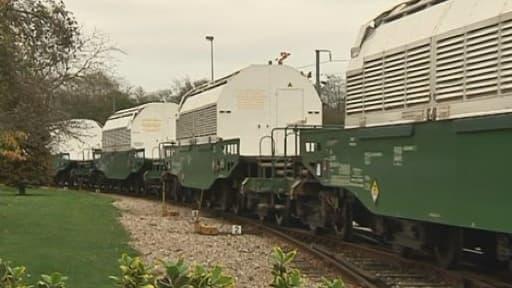 Train transportant des déchets nucléaires vers l'Allemagne le 6 novembre 2010