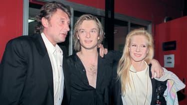 Johnny Hallyday, son fils David et la mère de ce dernier Sylvie Vartan au Zénith de Paris le 8 mars 1991