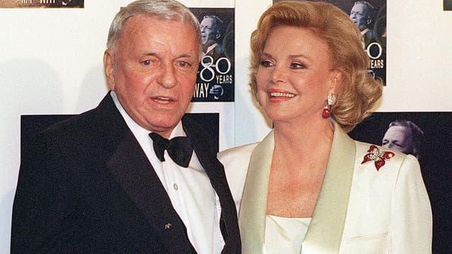 Frank Sinatra au côté de sa femme Barbara Sinatra en novembre 1995