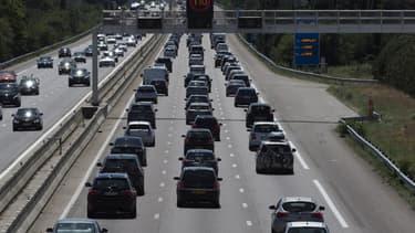 Une autoroute encombrée (Illustration)