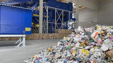 L'usine Paprec Trivalo Bretagne, a été construite à la suite du gain de l'appel d'offres de Rennes Métropole pour la gestion des déchets des 420 000 habitants de l'agglomération.