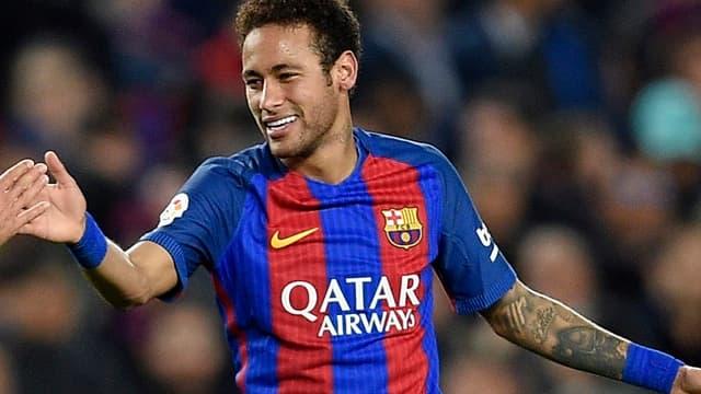 Neymar (Barcelone) aime bien en rajouter sur le terrain selon un latéral du Celtic Glasgow.