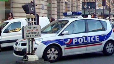 Un véhicule de police - photo d'illustration