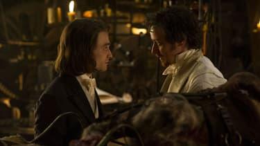 """Daniel Radcliffe donne la réplique à James McAvoy dans """"Docteur Frankenstein""""."""