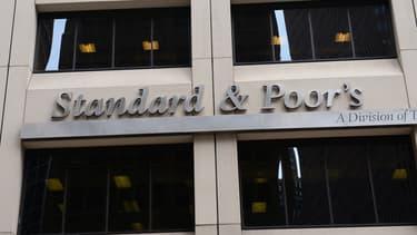 S&P garde toutefois un oeil sur les finances publiques françaises