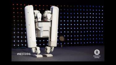 Le nouveau robot bipède présenté par la start-up japonaise Schaft qui appartient à Google.