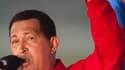 Le président vénézuélien Hugo Chavez a quitté Caracas samedi pour aller suivre une chimiothérapie à Cuba, après avoir délégué une partie de ses pouvoirs au vice-président Elias Jaua et à son ministre des Finances Jorge Giordani. /Photo prise le 16 juillet