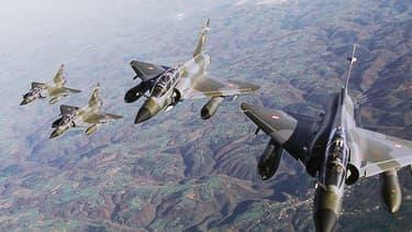 Mirages 2000 de l'armée de l'air française. C'est cet appareil qui participera aux frappes aériennes contre la Libye.