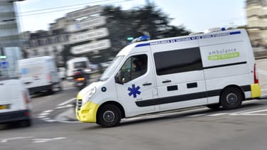Une ambulance (photo d'illustration)