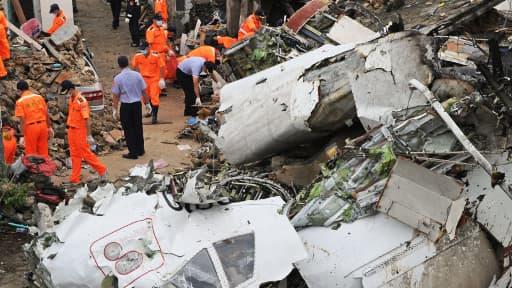 L'avion s'est écrasé sur des habitations, non loin de l'aéroport de l'île de Penghu.