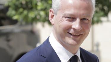 """Qualifiant cette affaire de """"scandale d'État"""", Bruno Le Maire a précisé avoir demandé à l'IGF """"de faire toute la lumière sur le processus de décisions qui a conduit à faire adopter"""" cette taxe sur les dividendes."""