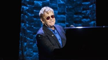 Elton John sur la scène du Radio City Music Hall pour soutenir Hillary Clinton en mars 2016