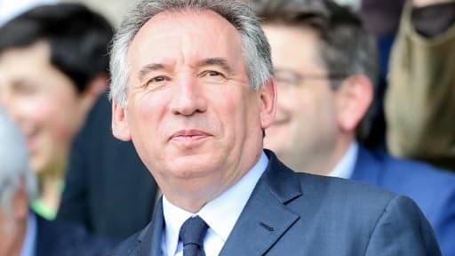 Le maire de Pau, François Bayrou au stade du Hameau à Pau, le 16 avril 2016