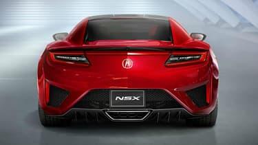 La NSX est badgée Acura aux Etats-Unis et Honda en Europe