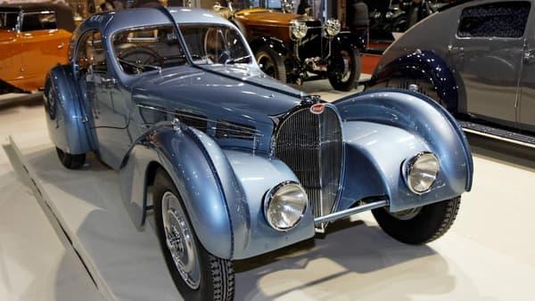 La Bugatti Type 57SC Atlantic date des années 30, c'est un modèle emblématique de la marque.