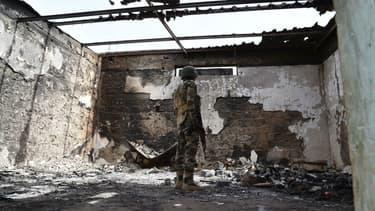 Une habitation brûlée par le groupe jihadiste Boko Haram, dans la ville de Bosso, au Niger. (Photo d'illustration)