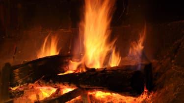 Marche arrière sur l'interdiction des feux de cheminées en Île-de-France. (image d'illustration)