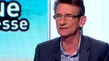 Le journaliste Léon Mercadet est décédé, a-t-on appris le 23 juin 2014.