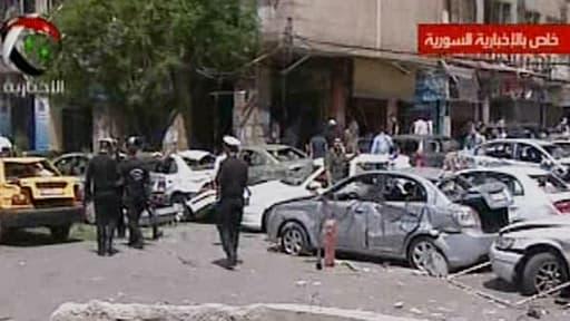Un attentat à la voiture piégée fait au moins treize morts à Damas, mardi 30 avril 2013.