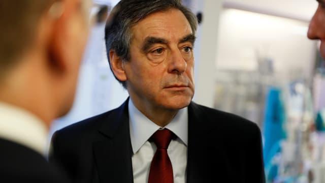 François Fillon renonce à communiquer le nom de ses futurs ministres s'il était élu.