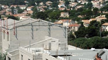Les nouvelles constructions de logements ont accentué leur repli en février.