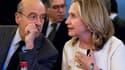 """Hillary Clinton et Alain Juppé à la réunion du groupe des """"Amis de la Syrie"""" à Paris. La France présentera ce vendredi au Conseil de sécurité des Nations unies un nouveau projet de résolution sur la mission d'observateurs en Syrie, dont elle souhaite port"""