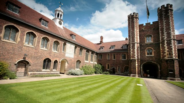 Vue du campus de l'université de Cambridge, au Royaume-Uni, le 23 juin 2008.