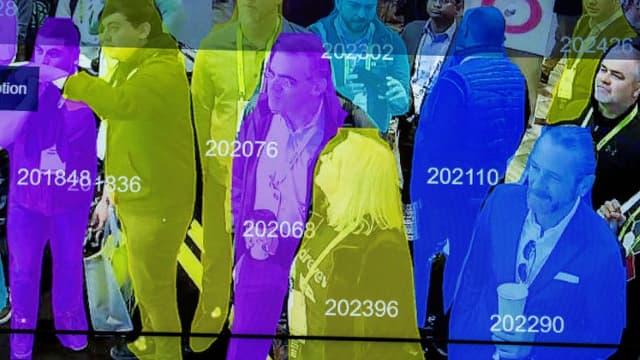 Un scanner de reconnaissance faciale utilisant l'intelligence artificielle présenté au salon de la robotique au CES de Las Vegas en janvier 2019