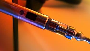 La cigarette électronique est un business qui explose malgré l'absence de connaissances sur les risques sanitaires éventuels.